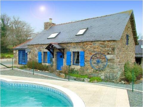 Maroux Vian - The Farmhouse and Pool