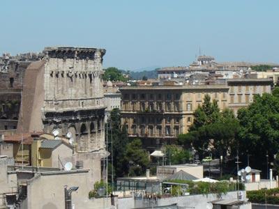 Bedroom Colosseum view