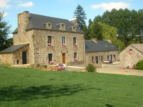 La Riaudais- Owner's residence and Guest Quarters