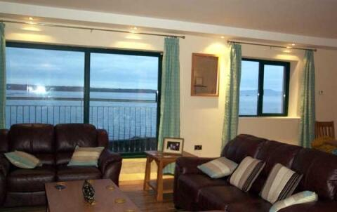 Lounge with sea views to die for!
