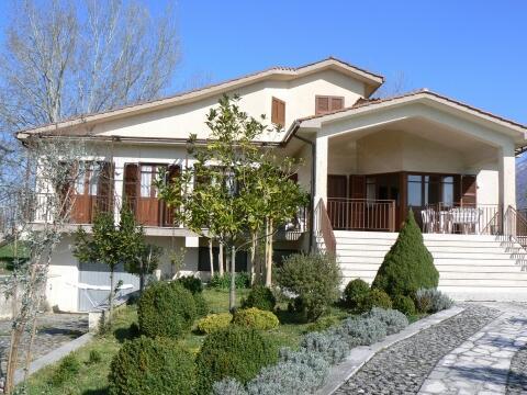 Front of Villa Alberto