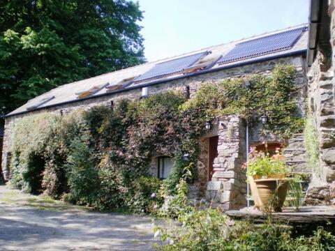 Longbow Barns Self Catering Dartmouth.