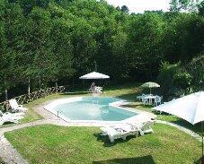 Bucine 3 bedroom apartment swimming pool