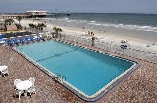 Best Western Mayan Inn Beachfront pool
