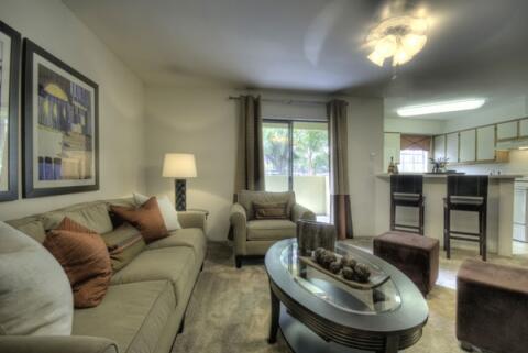 Island Club Apartments lounge