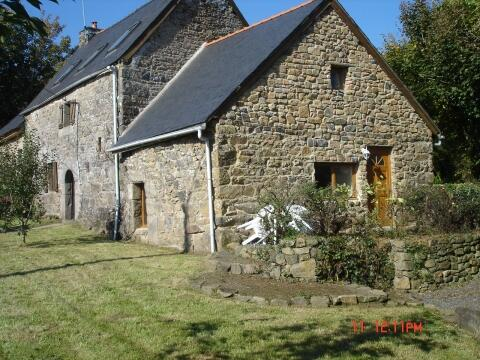 16th century farmhouse with own grounds and heated pool. More details on www.celticproperties.co.uk