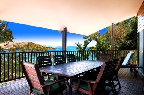 180 Degree Ocean Views From Huge Outdoor Dining Deck