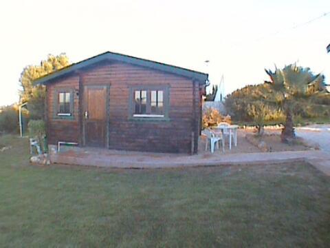 Two beroom log cabin