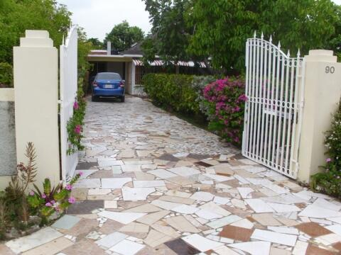 4 bedroom house with electronic gate
