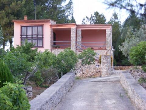 villa's front