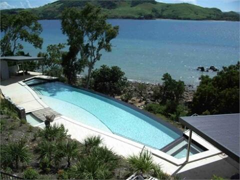 HAMILTON ISLAND GREAT BARRIER REEF EDGE POOL 3 BEDROOM PROPERTY SLEEPS 6 AND UP TO 10 IN SOME EDGE PROPERTIES