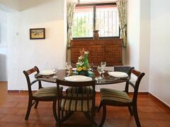 dining room in villa palma