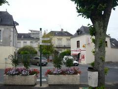 Parcay Les Pins village square