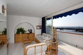 private panoramic terrace with sea view