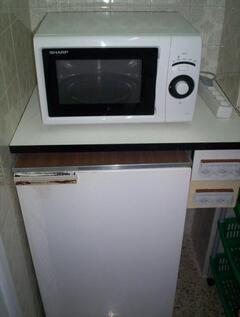 MW oven & fridge