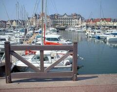 Property Photo: Port Guillaume