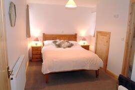 En-suite Downstairs Bedroom