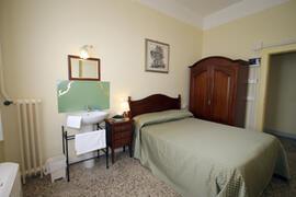 Double room, queen-size