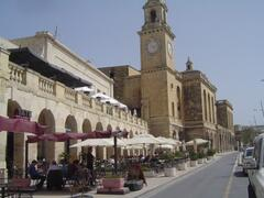 Property Photo: Cafes and restaurants along Vittoriosa marina waterfront next door to the apartment