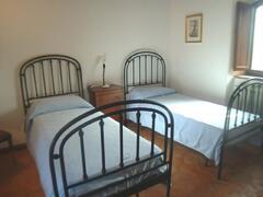 twins beds