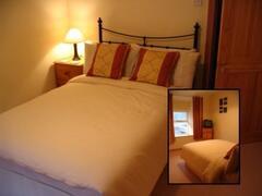 Arosfa bedroom