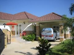 Property Photo: Bungalow with Mini Bus & Driver