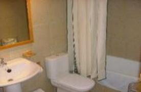 bath room apt 2.3