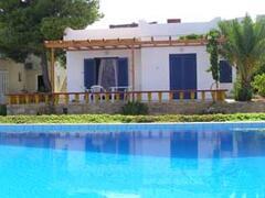 Property Photo: Villa style apartment