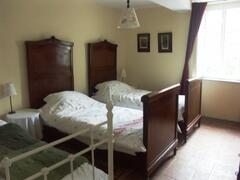 The Pretty Triple Bedroom