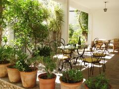 Front terrace set for Al fresco eating