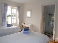 blue bedroom to en suite