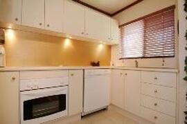 Cairns holiday house kitchen