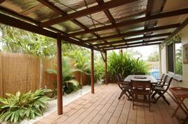 Cairns holiday house patio with bbq