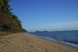 Trinity Beach, Cairns, Australia - 1 short block away from this Cairns holiday house