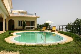 Villa Moniz