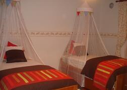 Twin bedroom 10