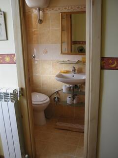 BEAUTIFULL BATHROOM