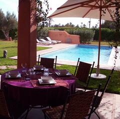 The terrasse and the swimming pool