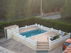 The pivate pool and sunbathing terrace