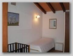 Bedroom+cot