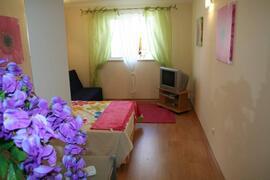 Bedroom /Lounge
