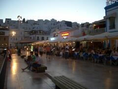 Restaurants overlooking Fishermans Beach