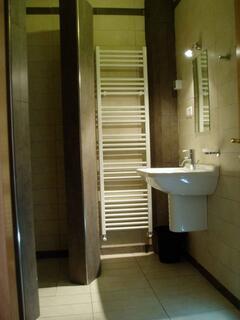 bathroom west apt