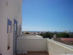 Balcony with lovely lateral seaviews