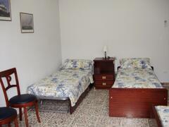 Bedroom with 3-4 sleeps
