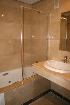 Ensuite bathroom with jacussi, shower and bide.