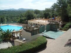 Property Photo: holiday green pool