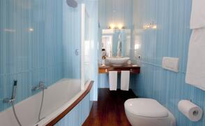 Bathroom with bath seaview