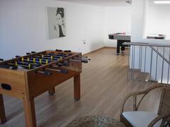 Games room (door to small terrace behind)