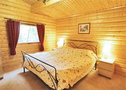 Bedroom 1 - Kingsize bed and Ensuite